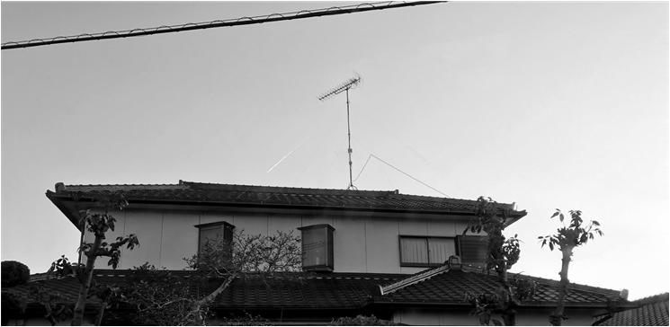 アンテナ屋根に設置.png